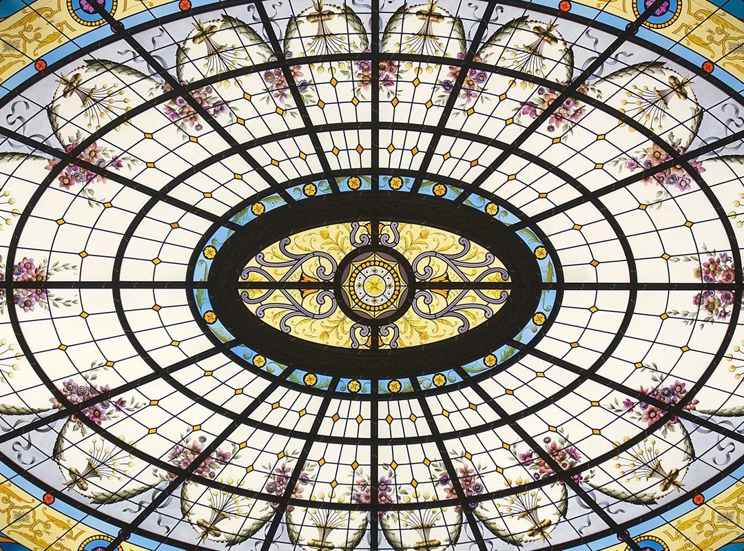 rosace-floral-vitraux-peints-classique