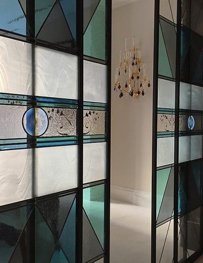 detail-porte-coulissante-vitraux-moderne