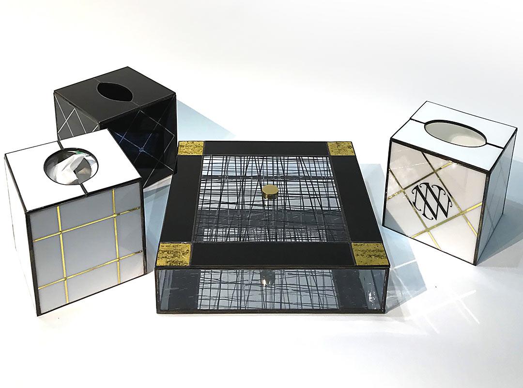 boite-vitraux-noir-or